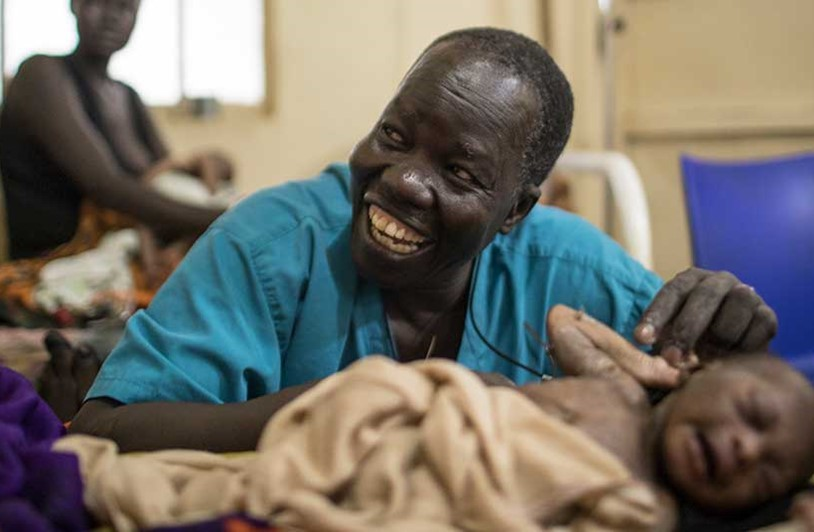 Popular surgeon in South Sudan named Nansen Refugee Award Winner 2018