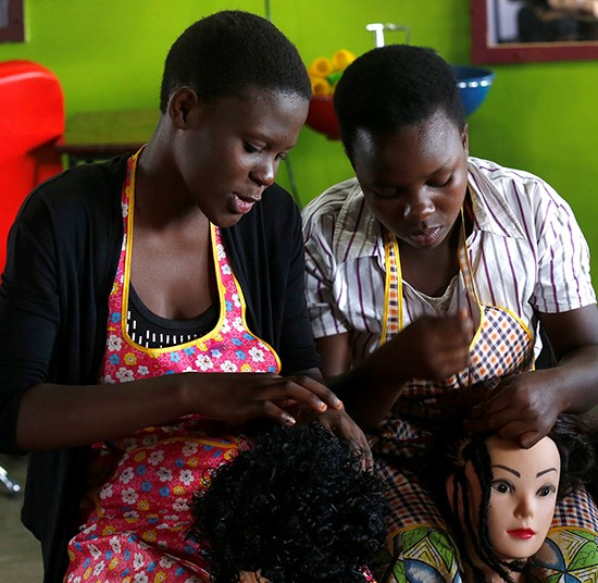 Livelihoods | Hairdressing students at Nakivale refugee settlement